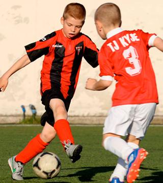 Počasí tentokrát moc fotbalu nepřálo! SK Třeboradice /2007/ – TJ Kyje 14:3